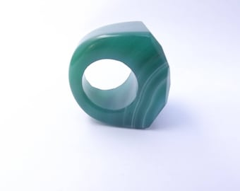 Sculpted ring faceted green agate RHINESTONE-667