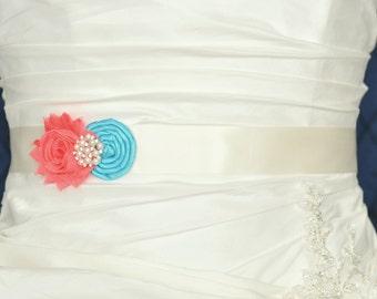 Wedding Belt, Wedding Sash, Bridal Belt, Bridal Sash, Wedding Dress Belt, Dress Sash, Bridesmaid Belt, Shabby Chiffon Rosette, Custom Colors