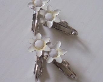 Vintage White Flower Clip Earrings