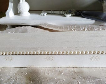 Shabby chic style knitting needle box