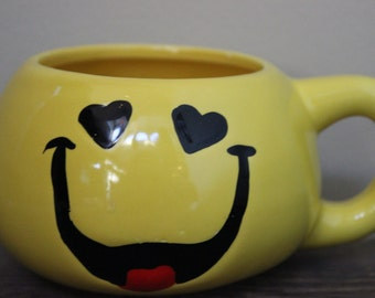 Vintage Smiley Face Emogi Coffee Cup Yellow Ceramic Coffee Mug Tea Cup 1970's Groovy Heart Eyes Emoticon Valentines Day Gift For Him Or Her