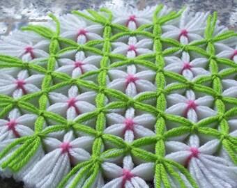 Retro Woven Kitchen Trivet, Cherry Blossom Trellis, Yarn Hot Pad, Yarn Serving Mat, Yarn Trivet, Woven Mat, Flower Hot Pad Lime Green Trivet