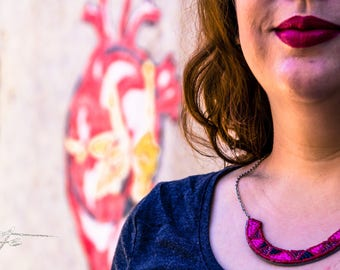 Gwenda' wings bib necklace Pearl Pink and Red Tin recycling