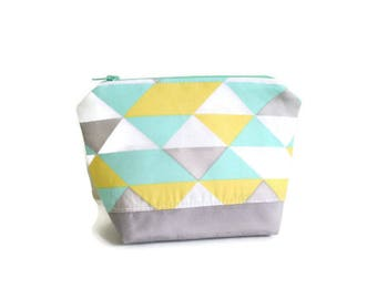Make up bag Makeup bag Mother's Day gift Gifts for her Gifts for mom Small toiletry bag Bridesmaid gift Gifts for sisters Coworker gifts