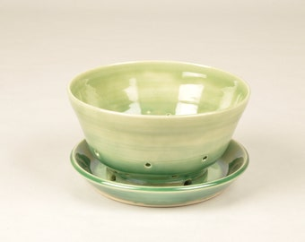 Small Berry Bowl with Plate