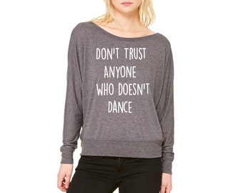 Womens Graphic Sweatshirt Off Shoulder Shirt Women's Dance Clothing Cute Sweat Shirts Long Sleeve Tops Active wear for the gym Fall