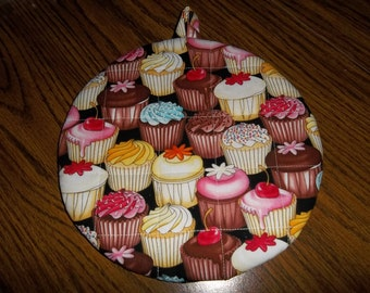 Cup Cake Pot Holder Round Cupcake Hot Pad Cotton Fabric Double Insulated Kitchen Utensil Handmade 9 Inches Trivet