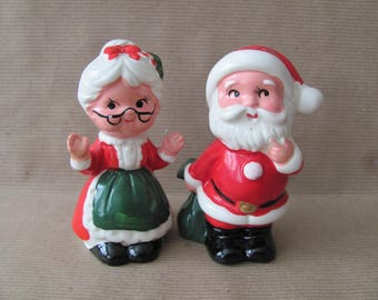 Vintage Christmas, 1960s Santa and Mrs. Claus Salt and Pepper Shakers, Japan Santa, Mrs. Claus Figurines, 1960s Christmas Decor, Mid Century