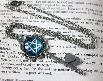 Celtic Knot Pentacle Cabochon Skeleton Key Necklace with Fluorite - Witchy Goth Pentagram Witchcraft