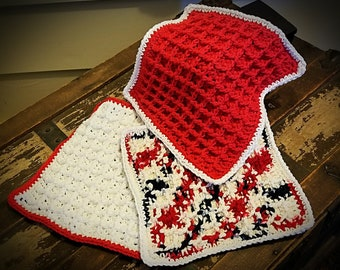 Hand-Crocheted Dishcloth/Pot- holder in Red (Patriotic)