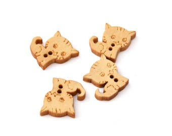 Set of 4 buttons 2 holes, small wooden cat