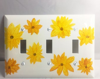 Triple Switchplate, Flower Decor, Painted Switchplate, Home Decor, Alcohol Ink Decor, Daisy Decor