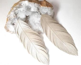 Boho feather, Pearl, Pearlized, Vegan, Bohemian Bride, Boho Bride Earrings, Feather Earrings, Pearl Earrings, Beach Boho, Bride, Bridesmaids