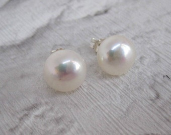fp8. Genuine White Freshwater Pearl 925 Sterling Silver Stud Earrings