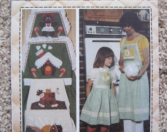 UNCUT Mother and Daughter Apron - Patch Press Pattern 7225  - Vintage 1979
