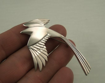 sterling silver magpie pin