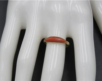 Vintage 18k Yellow Gold Art Deco Natural Red Coral Bar Ring Size 5.5