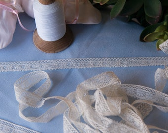"""French Valenciennes Lace- (LFV58EDG436) 5/8"""" edging"""