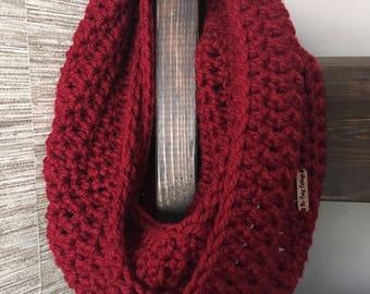 Chunky Crochet Infinity Scarf {RASPBERRY}