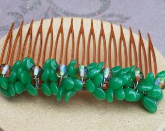 Emerald green beaded haircomb.Hair accessory.