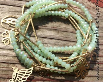 Cool Mint colored set of bracelets with gold plated charms - Semanario color menta con dijes de chapa de oro