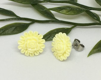 Cream Flower earrings, Cream earrings, Bridesmaid gift, Flowers, Flower girl present, Bridesmaids, colourful earrings.