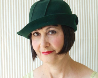 Awesome 1920's Forest Green Felt Flapper/Downton Abbey Cloche Hat