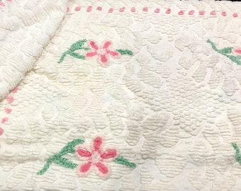 """Vintage Chenille Blanket 90"""" x 90"""" White Pink Daisies and dots, Heart White Chenille Pattern, 3 sides fringe, green leaves, fluffy & soft!"""