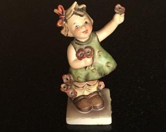 Goebel Figurine M.I. Hummel Spring Cheer / #72 TMK 5 / Collectible / Vintage