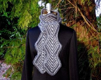 Écharpe en tricot diamant zigzag en charbon et gris grande taille