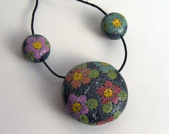 Free Shipping, Gyspy Floral - focal bead and accent beads