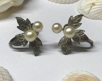 Antique Vintage silver pearl screw on earrings