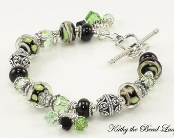 Lampwork Bracelet - Boro Black and Green Lampwork Bali Silver Bead Bracelet - KTBL