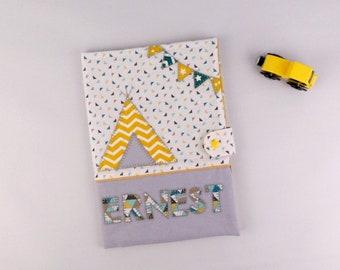 Protège carnet santé personnalisable couleurs prénom Ernest gris jaune moutarde tipi housse carnet santé cadeau bébé naissance baptême