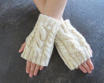KNITTING PATTERN - Quick Cable knit fingerless gloves knitting pattern, fingerless gloves knitting pattern,  beginner knitting pattern