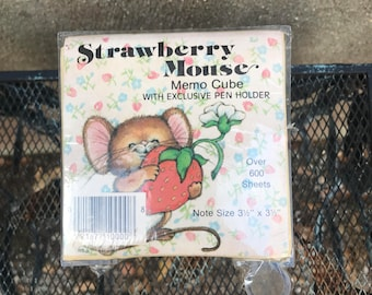 Vintage Memo Cube Strawberry Mouse With Exclusive Pen Holder Made In USA