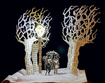 Mr Tumnus and Lucy at the Narnia lamp post Christmas Birthday card book sculpture