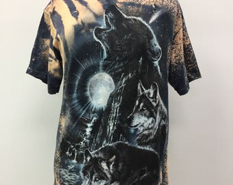 Howling Wolf Distressed Tee