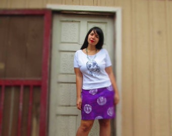 M. Purple pencil skirt with big, hand painted polka dots. Stretchy cotton fabric. Ladies medium.