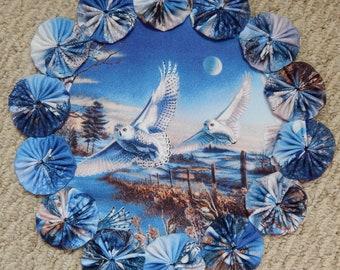 """Snowy Owls in the Moonlight 12"""" Yo Yo Doily"""