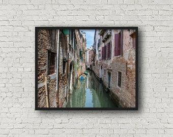 Venice Street Print / Digital Download / Fine Art Print/ Wall Art / Home Decor / Color Photograph / Travel Photography