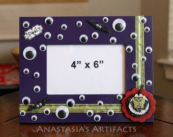 "4""x6"" Wiggly Eyes and Vampire Halloween Decorative Photo Frame"