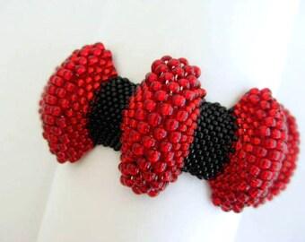 Peyote Bracelet / Bumpy Peyote Bracelet / Beaded Bracelet in Red and Black ( Made To Order)  Seed Bead Bracelet / Statement Bracelet /