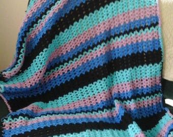 V-Stitch small lapghan