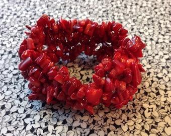 Vintage Multistrand Colored Shell Stretch Bracelet, Red