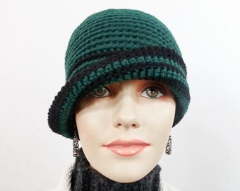 Crochet Cloche Size Large in Hunter Green and Black - Item 1297