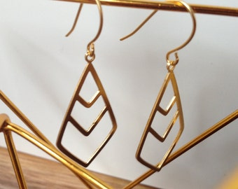 Triple Diamond, Earrings in Gold