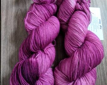 Yarn, Hand dyed yarn, Purple Yarn Superwash Merino/Nylon,Sock Yarn, Knitting Yarn, Crochet Yarn - Aged Roses