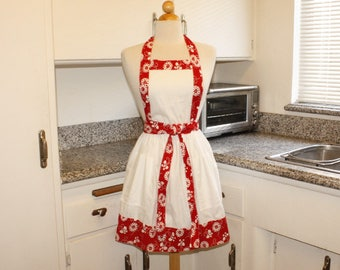 A Little Country in Me Flower Full Apron