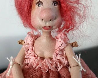 Wiegelotjes, handmade dolls from Paperclay.